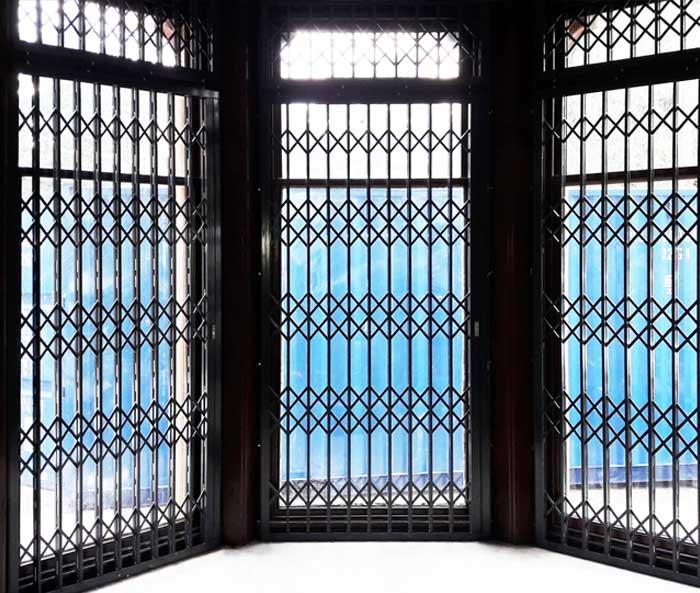 Domestic Retractable Gates London